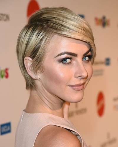Pixie cut di Julianne Hough