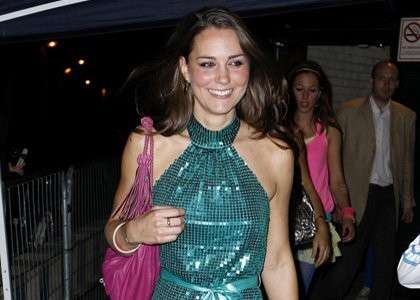 Kate Middleton in discoteca con un abito paillettato