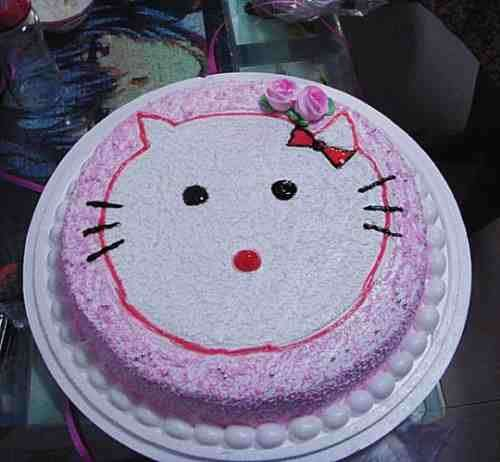 Torta con una brutta Hello Kitty