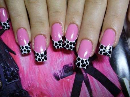French manicure a pois