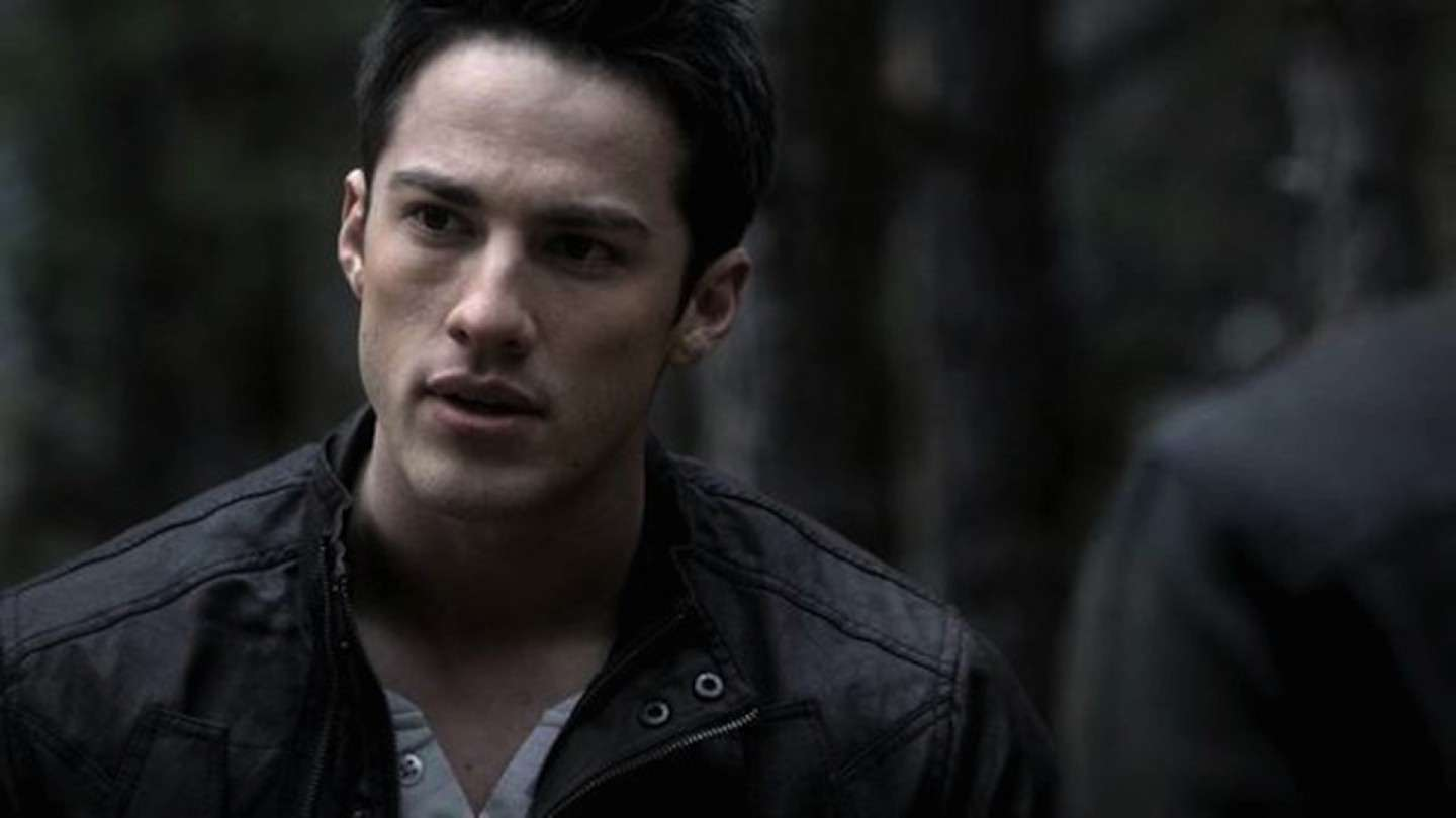 Michael Trevino sul set