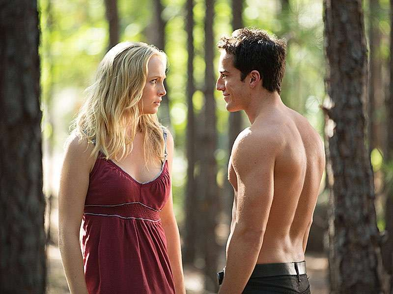 Michael Trevino e Candice Accola sul set
