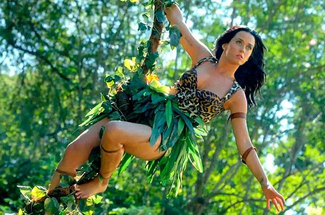 Katy Perry nel video Roar