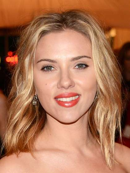 Make up corallo di Scarlett Johansson