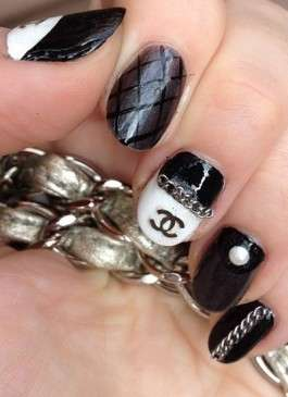 Nail art rock di Chanel