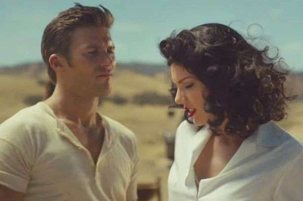 Taylor Swift nel video Wildest Dreams con Scott Eastwoods