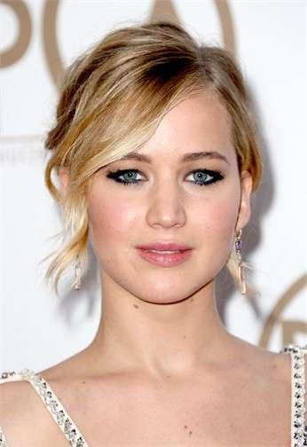 Jennifer Lawrence lip make up rosa