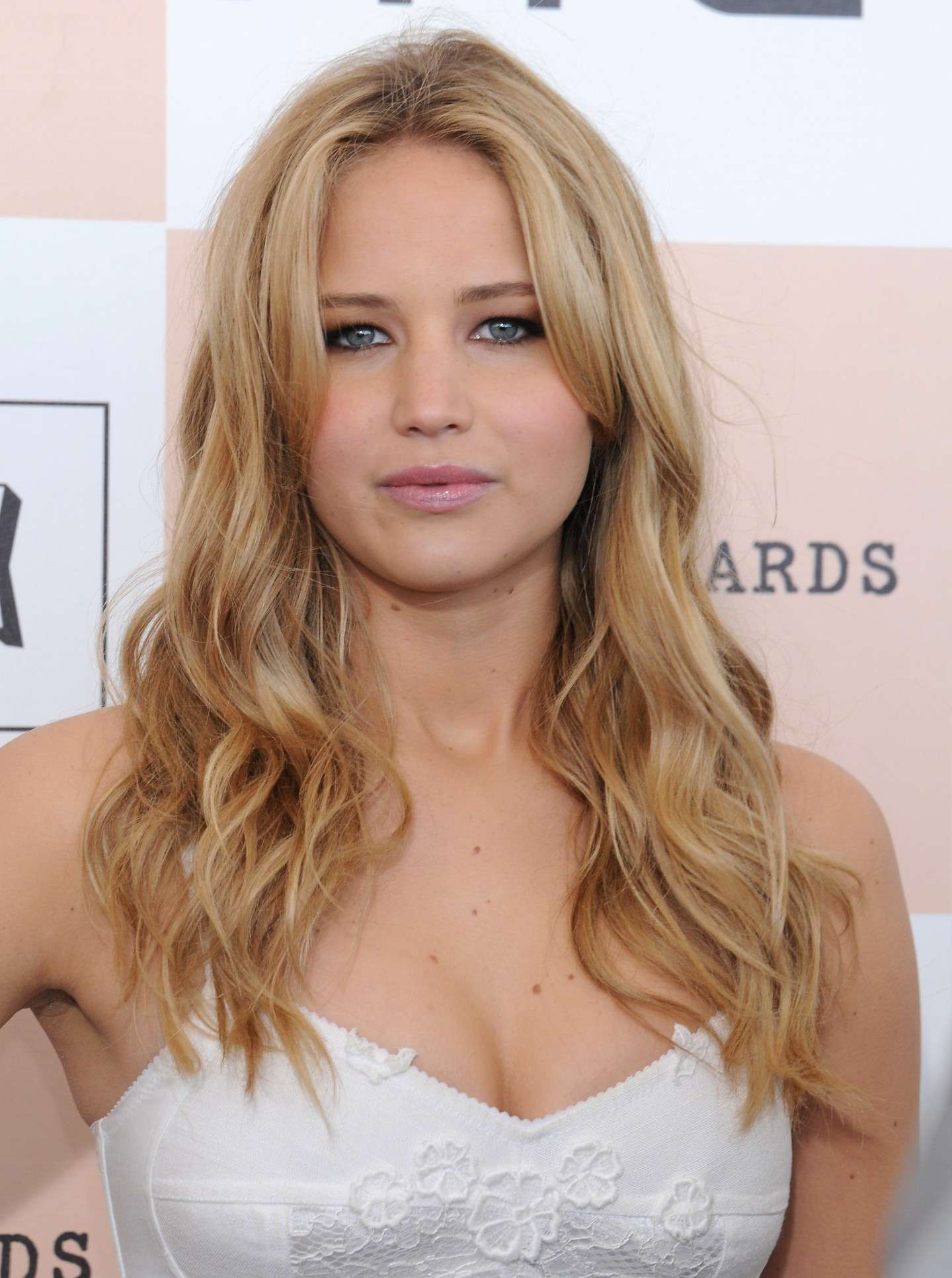 Jennifer Lawrence rossetto naturale