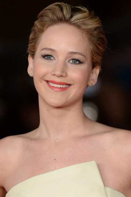 Jennifer Lawrence rossetto corallo