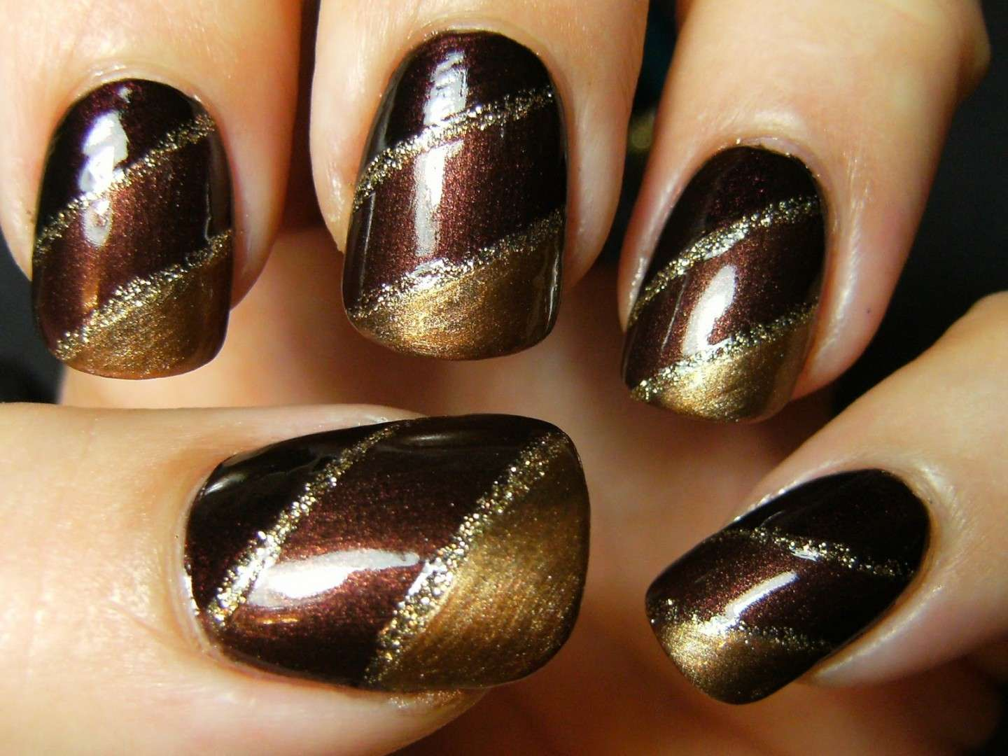 Nail art autunnali color marrone e oro
