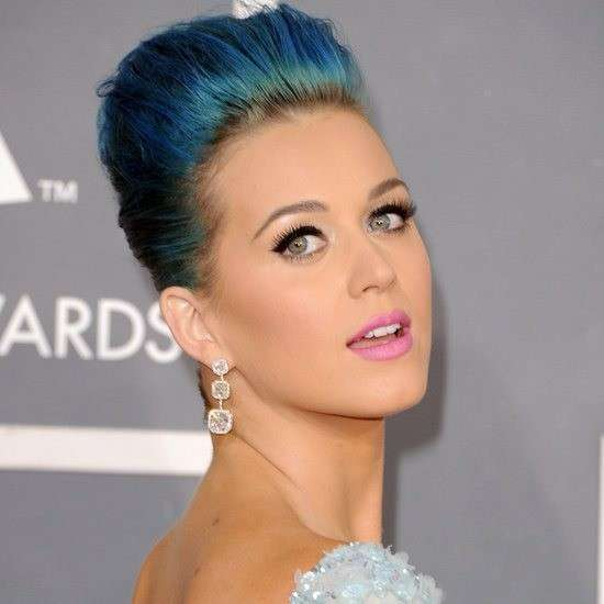 Katy Perry capelli color petrolio
