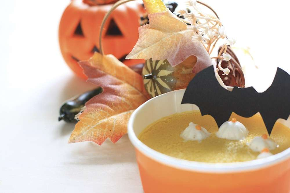 Budino di Halloween decorato