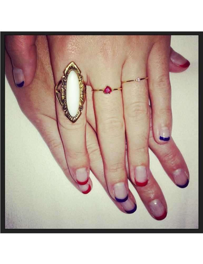 French manicure di Katy Perry