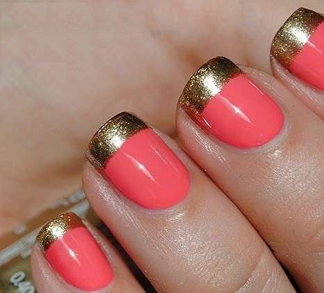 French manicure oro e corallo