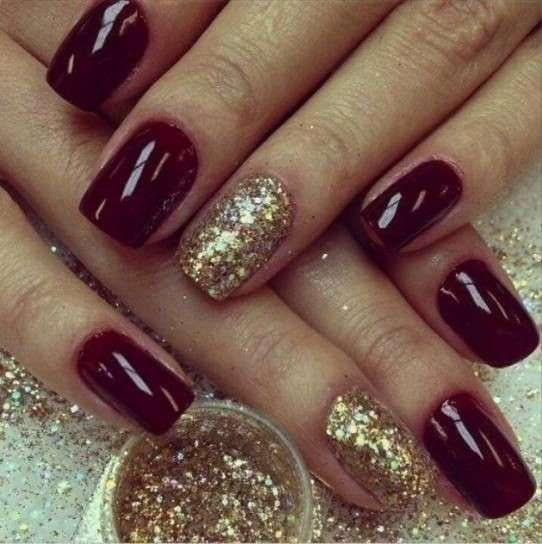 Nail art bordeaux e oro