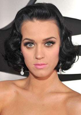 Nude look e mascara per Katy Perry