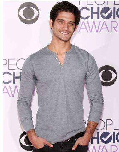 PCA 2016 red carpet - Tyler Posey