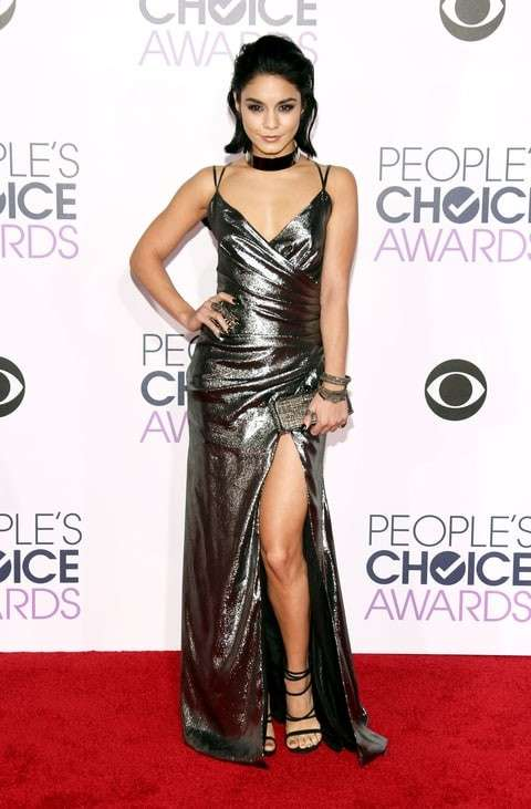 PCA 2016 red carpet - Vanessa Hudgens