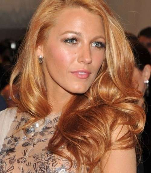Blake Lively con strawberry blonde hair