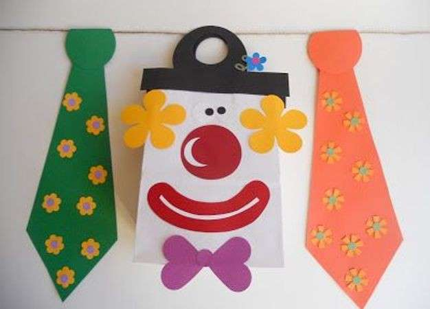 Clown e cravatte decorative per Carnevale