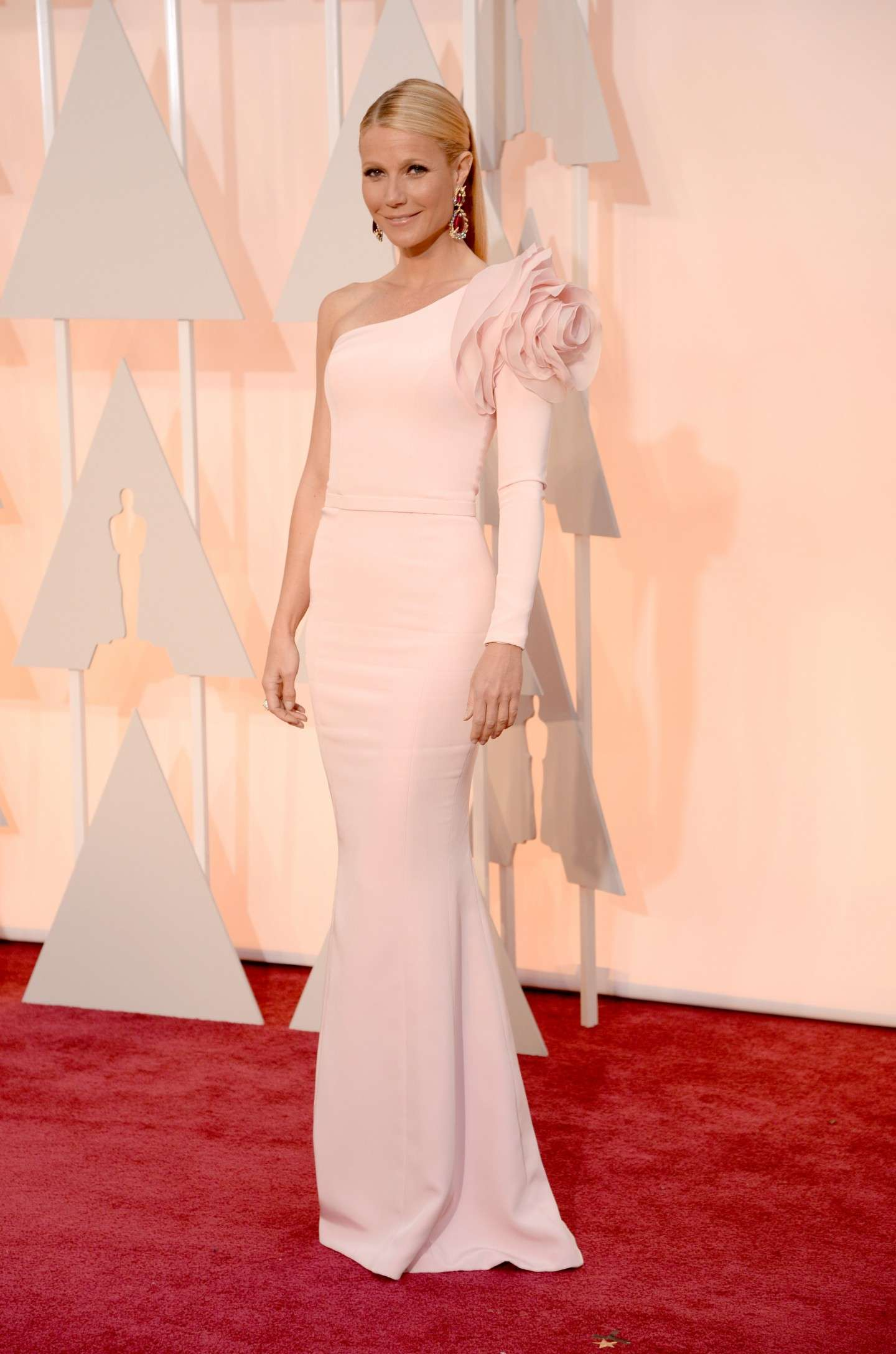 Gwyneth Paltrow in rosa cipria