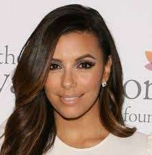 Eva Longoria con smokey eyes marrone