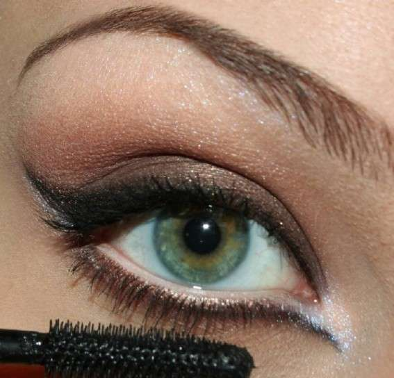 Smokey eyes per ochi chiari