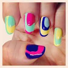 Circle nail art multicolor