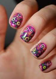 Colorata circle nail art