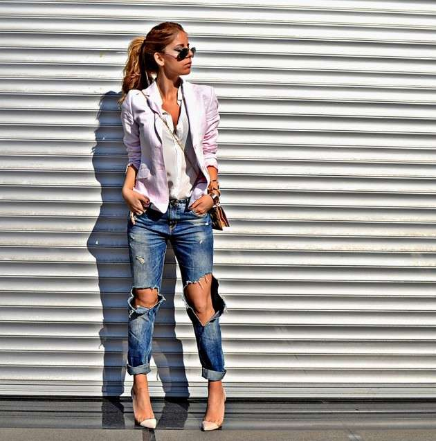 Look chic con ripped jeans