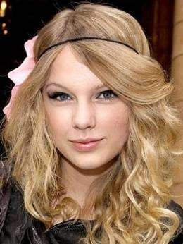 Taylor Swift con makeup boho