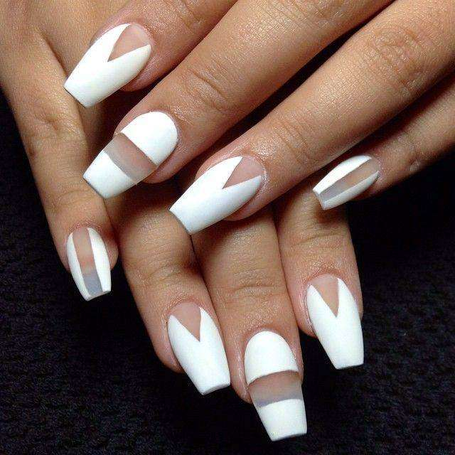 Coffin nail art bianca
