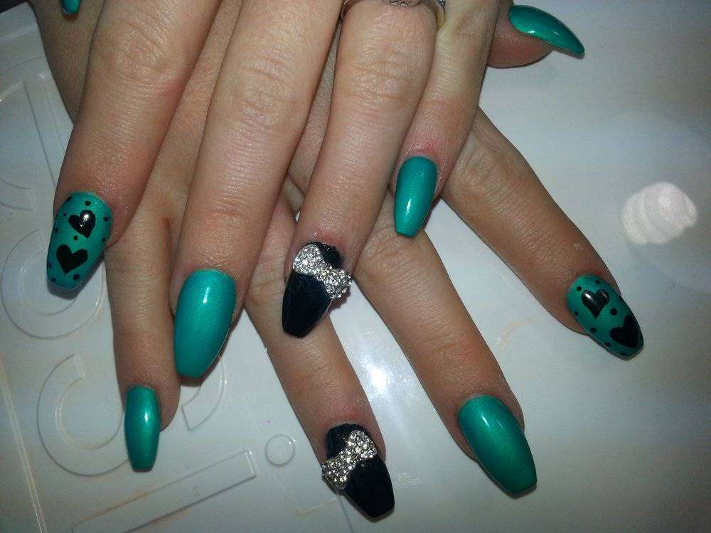 Coffin nail art bicolore