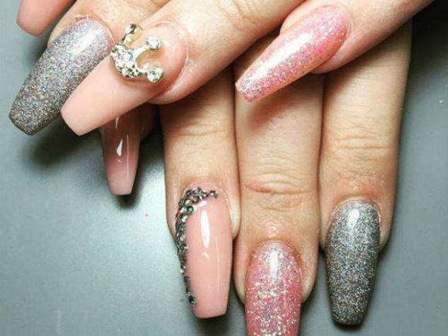Coffin nail art glitterata