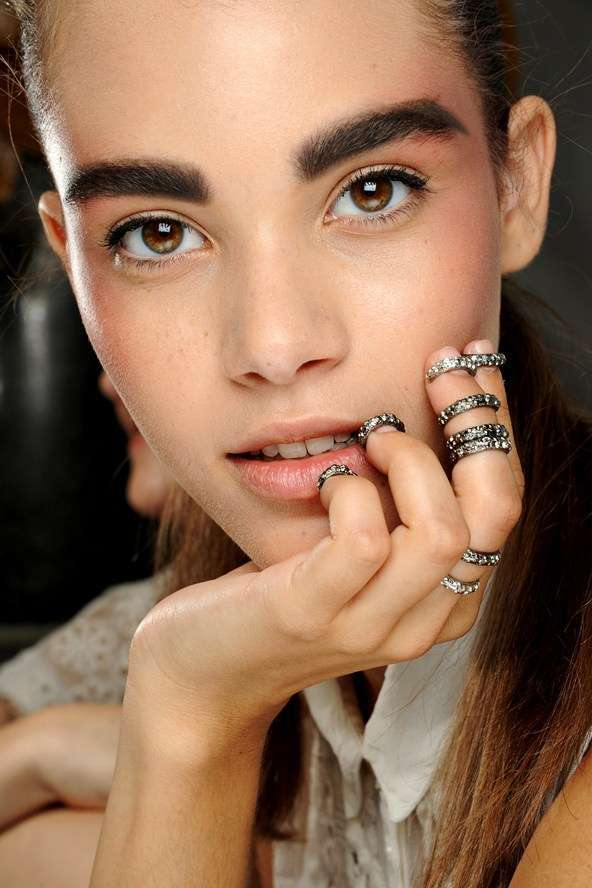 Knuckle ring argento con strass