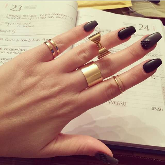 Knuckle ring con fiocco