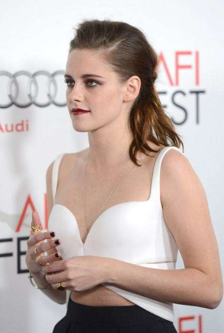 Kristen Stewart indossa i knuckle ring