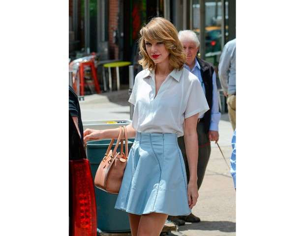 Taylor Swift con shopping bag