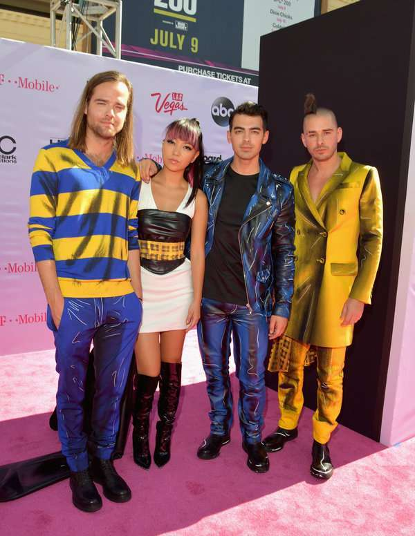 Jack Lawless, JinJoo Lee, Joe Jonas, and Cole Whittle ai Billboard Awards 2016