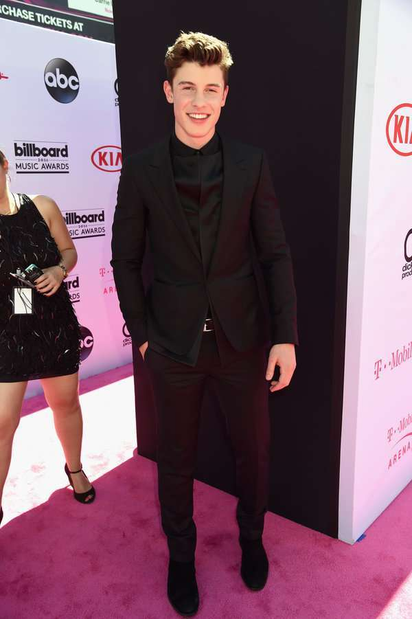 Shawn Mendes ai Billboard Awards 2016