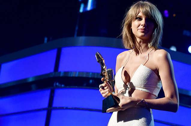 Taylor Swift ai Billboard Awards 2016
