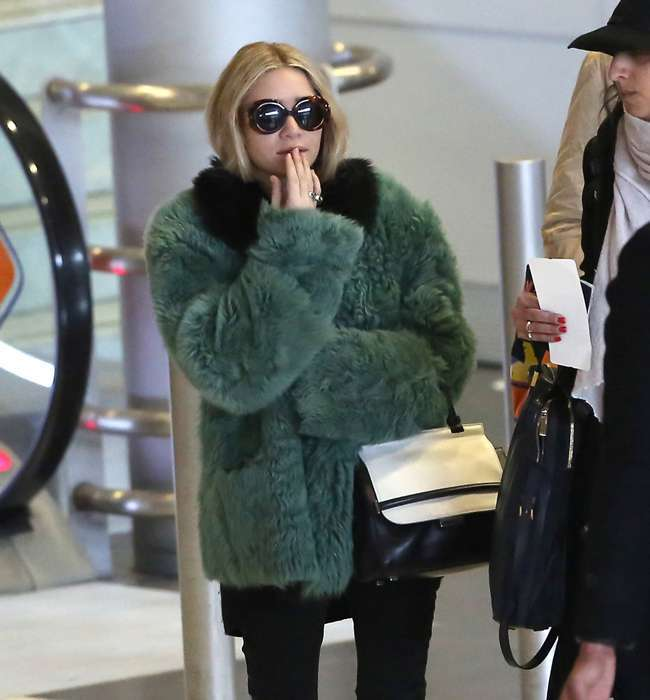 Il look da viaggio di Ashley Olsen