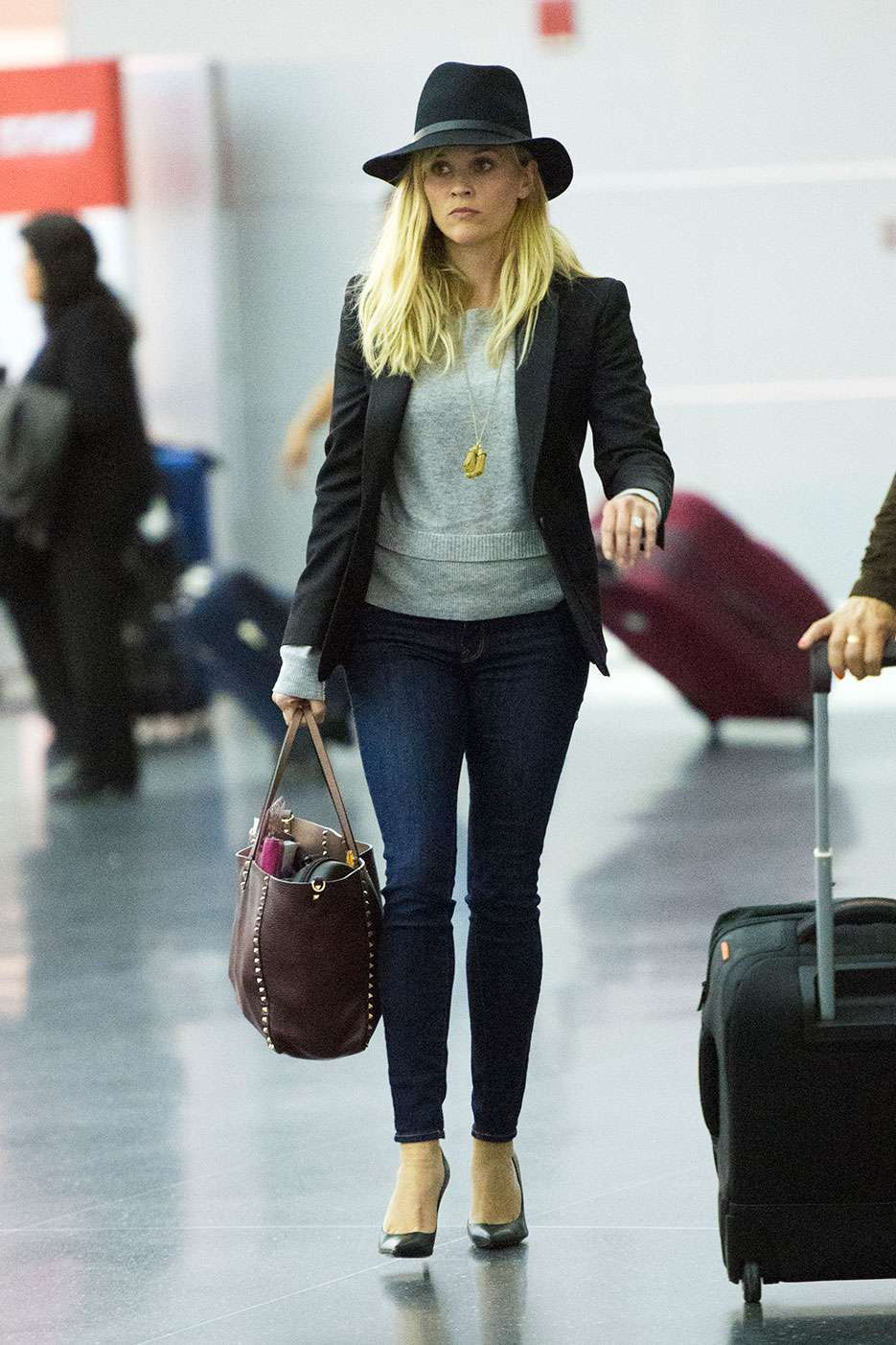 Reese Whiterspoon in aeroporto