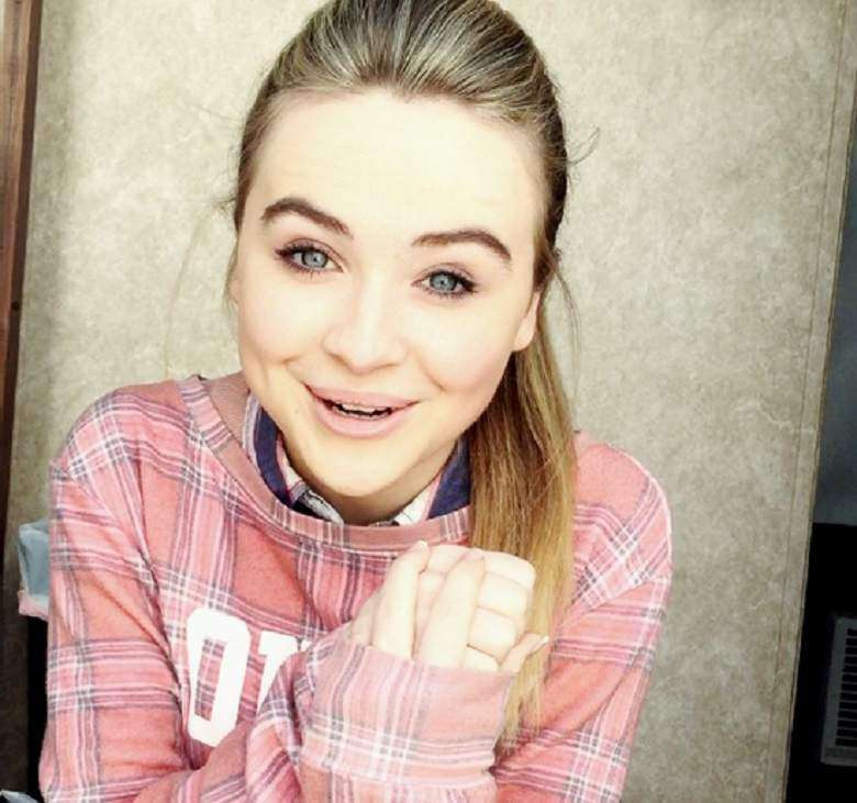 Sabrina Carpenter, il sorriso dell