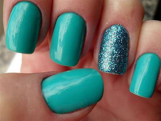 Nail art color Tiffany con glitter