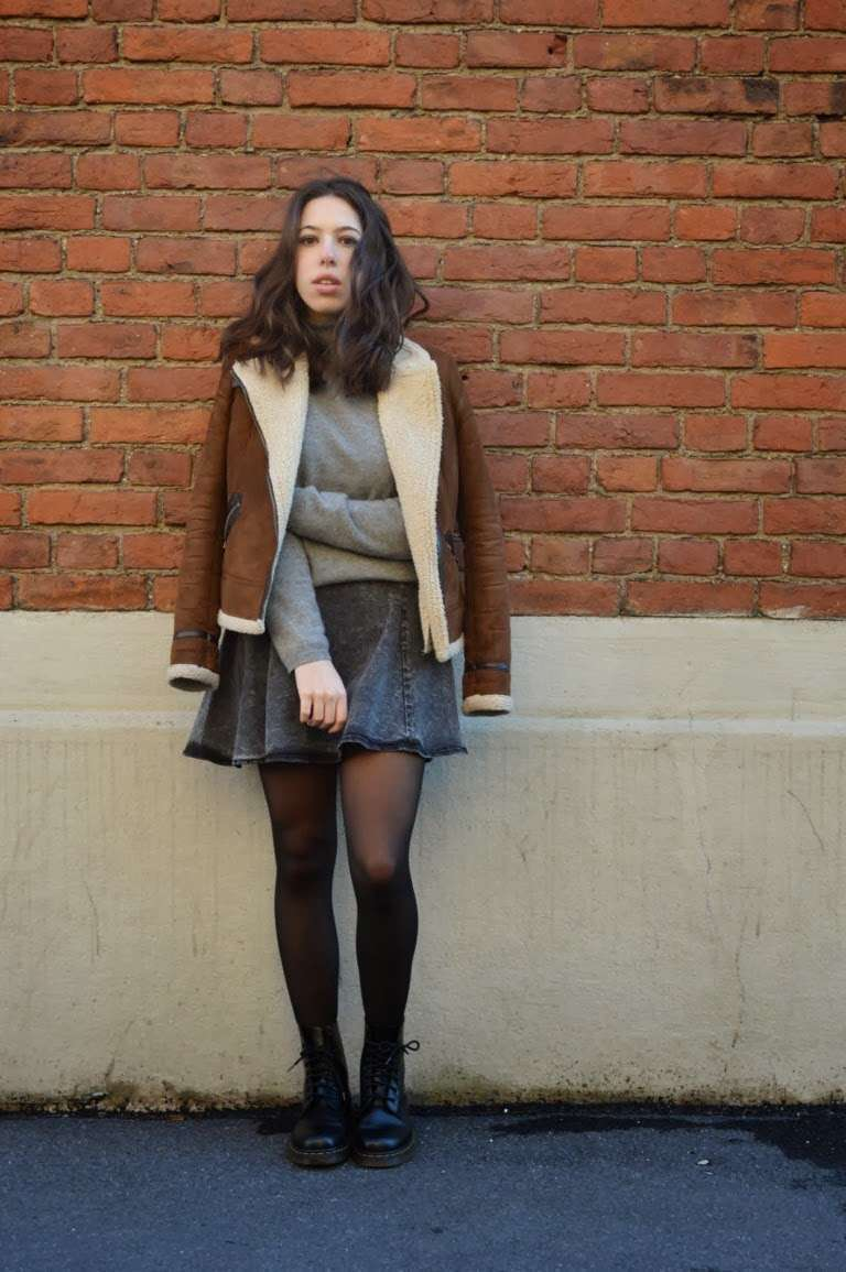 Look inglese con anfibi