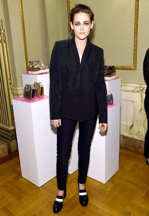 Kristen Stewart con look total black