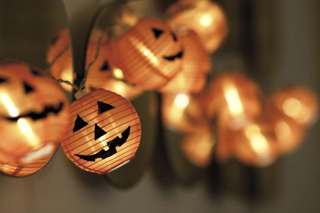 Lanterne luminose di Halloween