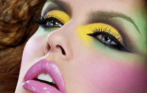 Smokey eyes giallo