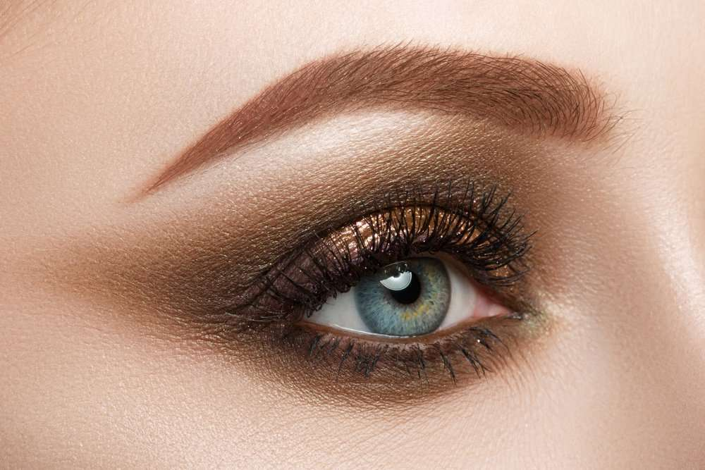 Smokey eyes marrone